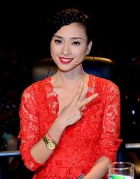 Ngô Thanh Vân xinh đẹp với phong cách mới