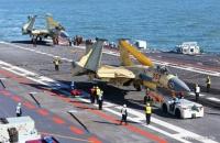 Trung Quốc khoe ảnh chiến đấu cơ đáp thành công trên tàu sân bay